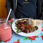 Felefals and salads, mango and raspberry smoothie