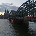 Photo de Hohenzollern Bridge