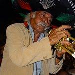 Gast trompettist en speelt nog steeds een paar partijtjes mee.