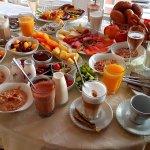 Gigantisches Room Frühstück