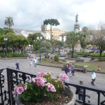 Plaza de la Independencia - Ecuador. Foto: Rodolfo Reyes - Peruvian Mountains Treks and Climbs P