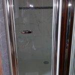 La ducha con hidromasaje