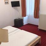 Photo de Hotel Pension Walzerstadt