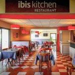 Foto de Ibis Tours Sud