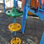 Центральная игровая площадка для детей находится в плачевном состоянии