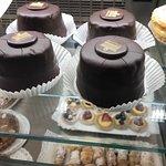 Pasticcini mignon e torte fresche con ingredienti genuini! Difficile accontentarsi delle altre p