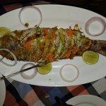 pescado a la brasa, un poco seco, seguramente por el pez y no por como estaba cocinado