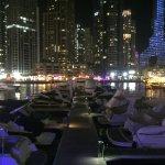 Dubai Marina ... unterhaltsam, lebendig ...