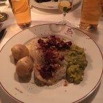Første tallerken; Aass pilsner og Lauritz akevitt