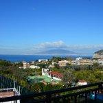 panorama dalla terrazza, vista del Vesuvio e del golfo di Napoli