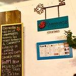 Foto de La Tumbamuertos Burger Bar