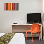 Photo de ibis Styles Kingsgate Hotel