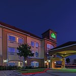 Photo of La Quinta Inn & Suites Angleton