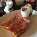 Brioche, bacon & maple syrup breakfast