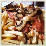 Baecn and mushroom and chips