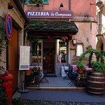 Entrance to Pizzeria
