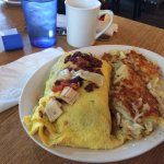 Omelette and hashbrowns