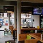 Eingang, Bar und Lounge