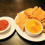 chips/queso/salsa