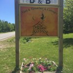 Welcome sign at the Maven Gypsy B&B and Cottages