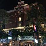 Buddy Lodge Hotel Image