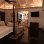 Foto de Round Hill Hotel & Villas