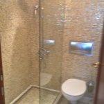 bathroom apartment 443
