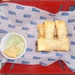 Tequeños de jamón y queso... muy ricos
