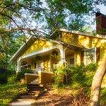 Guest Cottage - 1915 style cozy bungalow