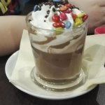 czekolada dla dzieci z lentylkami i strzelającą posypką
