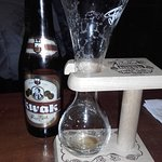Cerveza Kwak y su copa original.