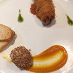 Mi cuit de pato con crujiente y queso Monte Enebro