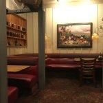 Foto de Cousins' Restaurant & Saloon