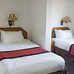 El-Elyon Hotel Photo