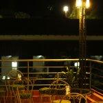 La terracita Prímoli de noche