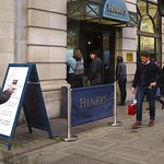 Henry's Cafe Bar Piccadilly - Entrance