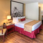 1 Queen Room - Kings Inn Near Disneyland