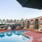 Kings Inn Hotel near Disneyland - Pool + Hot Tub - Family-Friendly + Kid-Friendly