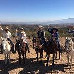 Felix, Roberto and the tres vaqueras