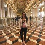 Pasillo que conecta Lobby con el casino