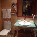 Bathroom in 707 (November 2016)