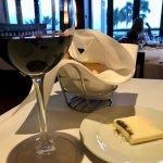 ワインも豊富です。これはカリフォルニア産ピノノワールです。