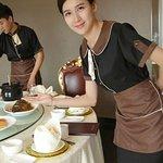 nhân vien phục vụ nhà hàng