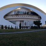 Es el palacio de las artes y de la musica , donde dan rapresentaciones teatrales y musicales