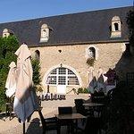 Terrasse du Restaurant La Rançonnière à l'ombre à Normandie