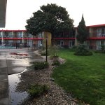Photo of Econo Lodge Inn & Suites Oakland Airport