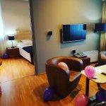 Photo de The ICON Hotel & Lounge