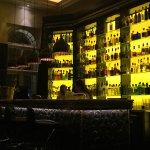 Pre-dinner drinks in the bar