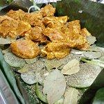 Cochinita pibil en proceso de preparación