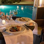 Cena romántica, atención personalizada y una deliciosa comida.